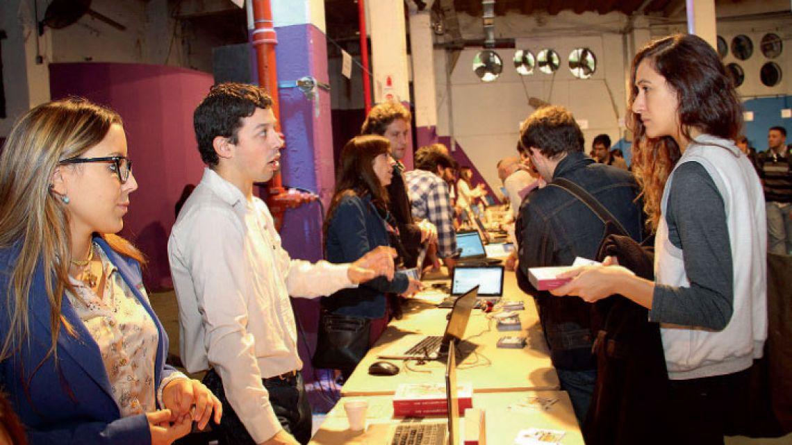 Noticias Hackshackers Media Party Reinventando El Periodismo