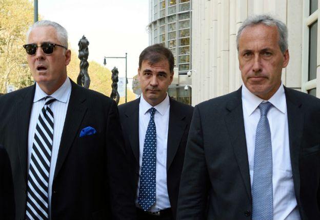 Bruzaco, rodeado de sus abogados, declaró ante la Justicia norteamericana.