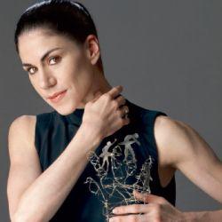 el-orfebre-marcelo-toledo-y-14-famosas-contra-el-cancer-de-mama