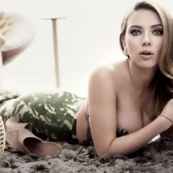 Scarlett-Johansson-23