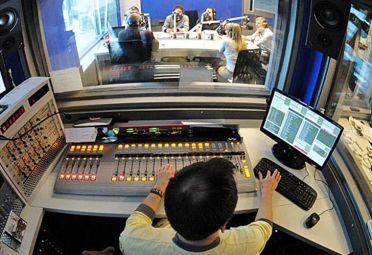 Radio 10 en picada