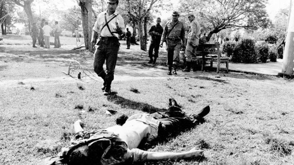 Los cuerpos de los montoneros quedaron en el cuartel