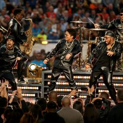 0207-superbowl50-g18-afp