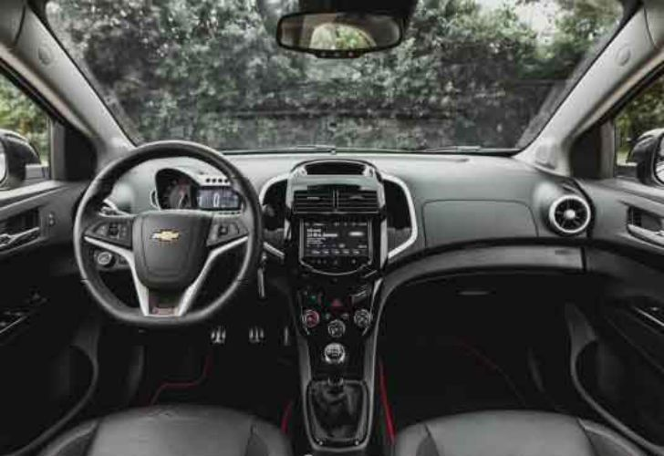 2017 chevrolet sonic interior revista parabrisas for 2017 chevrolet sonic sedan interior