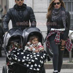 Lola Ponce y Aaron Diaz en Milan (3)