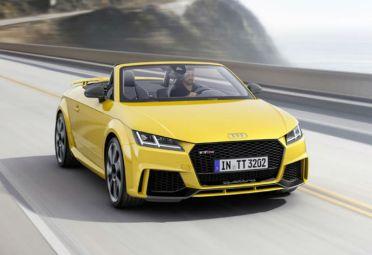 Ambos, coupé y roadster, equipan un motor de cinco cilindros de 2,5 litros TFSI de 400 CV y 480 Nm de torque.
