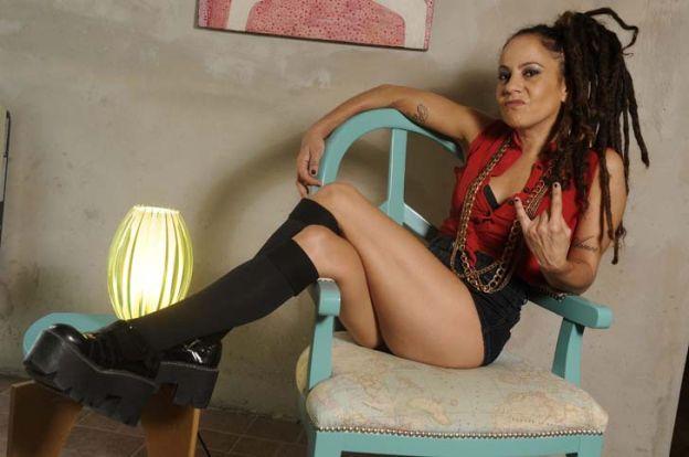 """Paz Ferreyra, líder de """"Miss Bolivia"""": """"Fumar un porro es más sano que mirar TV"""""""
