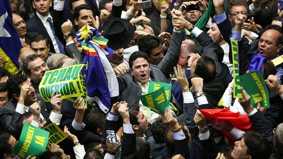 Las manifestaciones a favor y en contra de Dilma reflejaron la división del pueblo brasileño