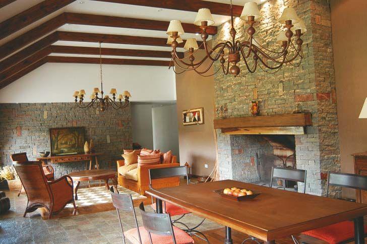 C mo es por dentro el hotel los sauces revista noticias for Casa de los azulejos por dentro