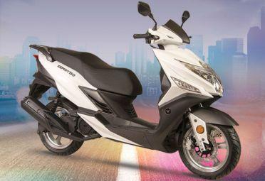 El nuevo Scooter Expert 150 es un motovehículo de líneas modernas ideal para el desplazamiento en ciudad.