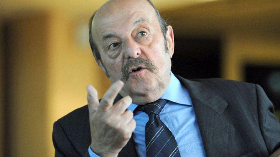 Julio Bárbaro.