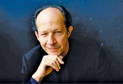 Agamben. Nació en Roma en 1942; estudió con Martin Heidegger y frecuentó a Italo Calvino.