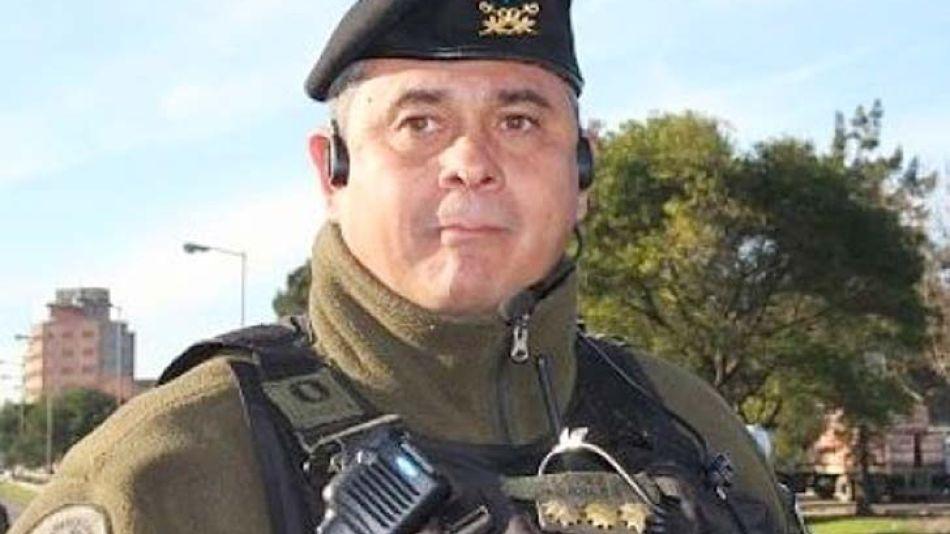 López Torales se arrojó sobre un auto en una protesta.