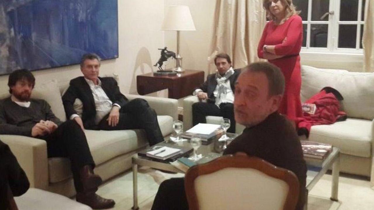 zunino-en-la-quinta-de-olivos-con-el-presidente-macri-y-los-periodistas-eduardo-feinmann-y-gloria-lopez-lecoube