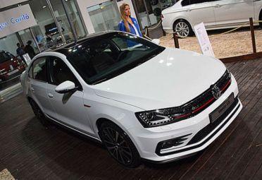 El VW Vento GLI fue presentado como adelanto este verano en Cariló.