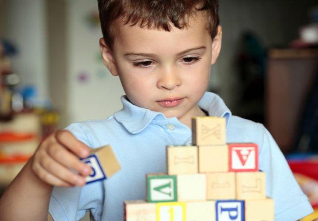 ENCUESTA. Es la primera de la región y muestra que entre la detección de síntomas por parte de los padres y el diagnóstico médico pasan dos años. Fue realizada por la Red de Espectro Autista Latinoamérica, REAL.