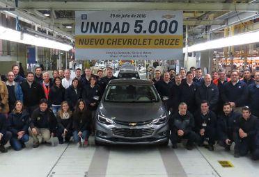 Nuevo Cruze: la planta de Rosario ya produjo el N°5.000.