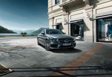 El C300 Coupé Automático AMG-Line de Mercedes ya se vende en el país.