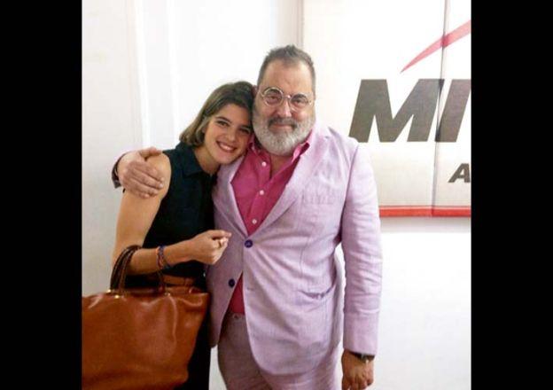 Lanata le consiguió una nota con Macri a su novia-fan