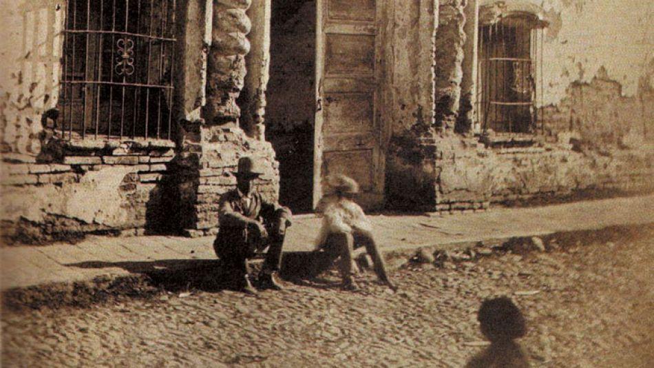 La casa sufrió diversas intervenciones y fue demolida en 1904, auge del período de libertad y espíritu positivista.
