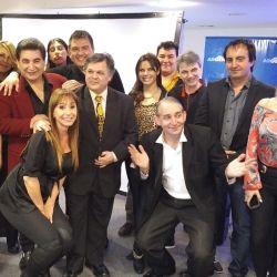 Entre los famosos apalabrados aparecen la vedette Sandra Villaruel, el humorista Torry Palenzuela, los periodistas Cacho y Alejandra Rubio, Daniel Santibañez, la cantante tropical Verónica Avalos, y el Mago sin Dientes.