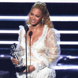 Beyonce-MTV VMA 2016 3