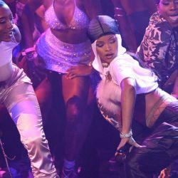 Rihanna-MTV VMAs 2