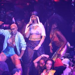 Rihanna-MTV VMAs 4