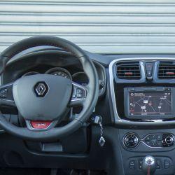 renault-sandero-rs-20-interior