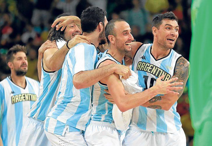 Hazaña. El triunfo ya está consumado. Argentina celebra. Un final a pura adrenalina.