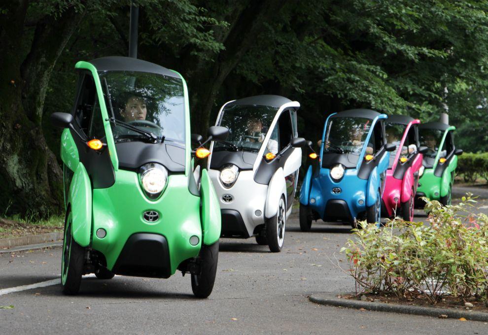 El vehículo eléctrico Toyota i-Road en su etapa de evaluación.
