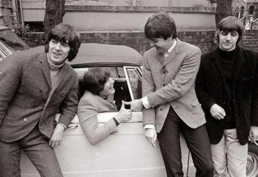 """""""Drive my car"""", de The Beatles, fue la canción elegida por los lectores de PARABRISAS como la mejor sobre autos de la historia."""