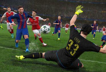 Messi pasó del FIFA al PES. Hace 7 años que es portada de uno o el otro.
