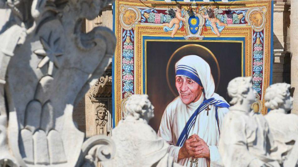 El papa Francisco canonizó a la Madre Teresa de Calcuta.