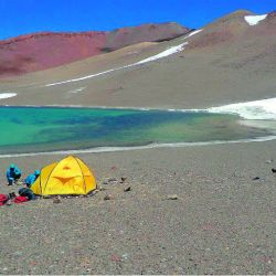campamento-a-6000-mts-junto-a-la-laguna