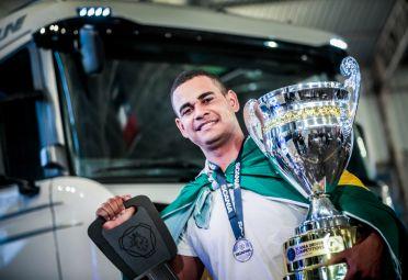 Dos Santos, vencedor de la final del Scania Driver Competitions Latin America 2016.