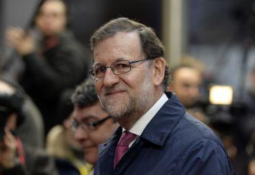 Rajoy jura mandato en España tras diez meses de bloqueo político
