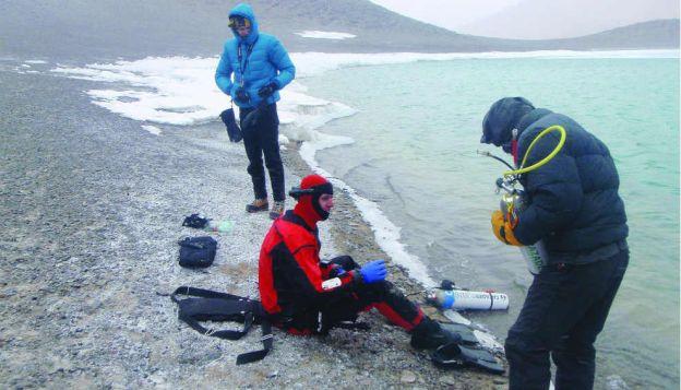 preparando-el-equipo-a-casi-6000-mts