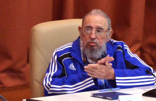 Fidel en su último discurso frente a los líderes del partido.