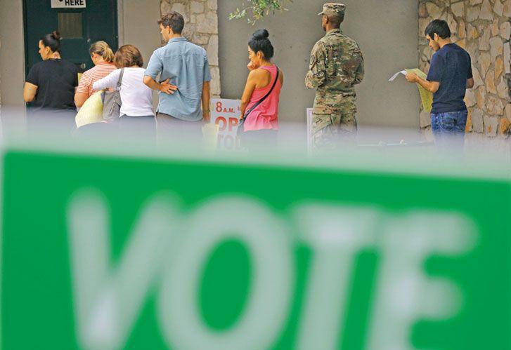 Urnas. Largas filas para el voto anticipado. Aquí, en el estado de Texas.