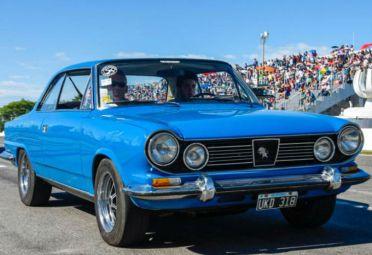 El Torino cumplió 50 años y lo festejó en el Autódromo Oscar Cabalén.