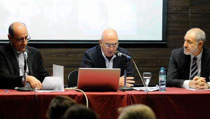 La UCA presentó el informe sobre empleo y precariedad laboral en la Argentina.