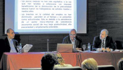 MENSAJES  El rector de la UCA, Víctor Fernández, y Agustín Salvia: una descripción cruda de la economía.