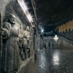 wieliczka_salt_mine_biggest_underground_chapel_in_the_world