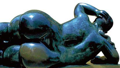 Botero. Una escultura del artista colombiano, cuyo sello son los cuerpos voluminosos.