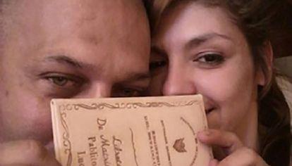 Una joven fue alla muerta en Brasil: se sospecha del marido.