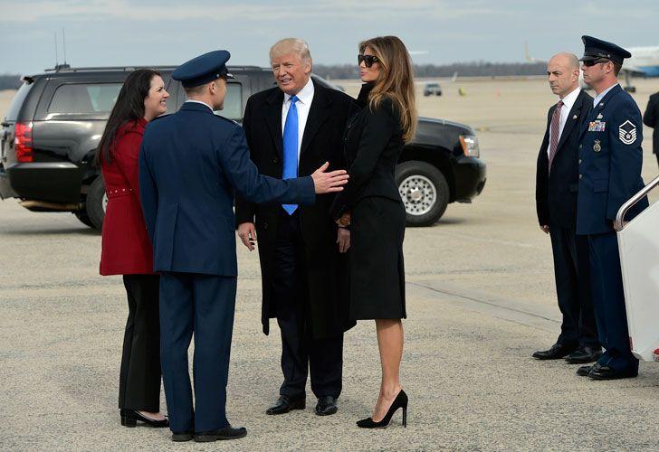 Trump y Melania ya en tierra