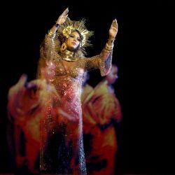 Beyonce-Grammys 59 (3)