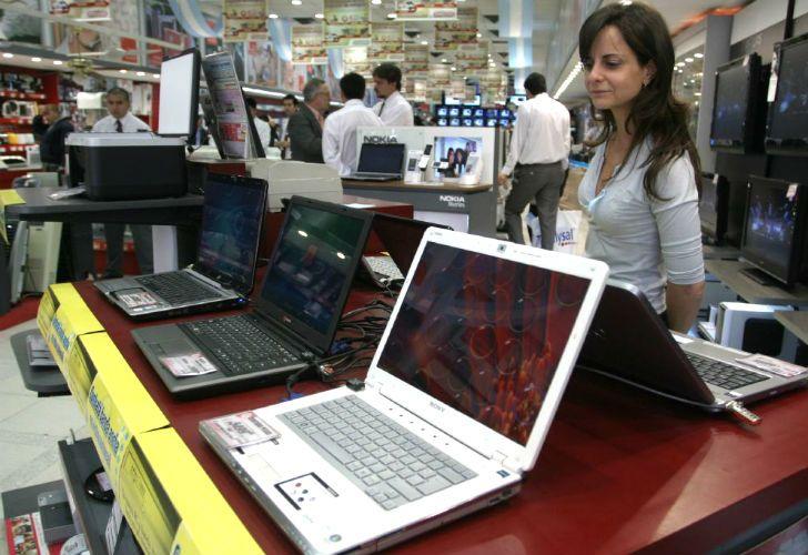 A través de un decreto, el Gobierno elimina los impuestos para productos informáticos que se producen en el exterior.