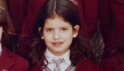 La autora, en una foto escolar de sus primeros años.